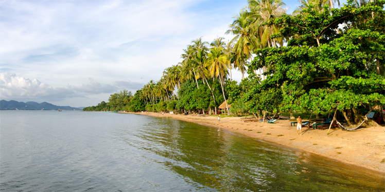 Strand op Koh Tonsay (Rabbit Island) in Cambodja