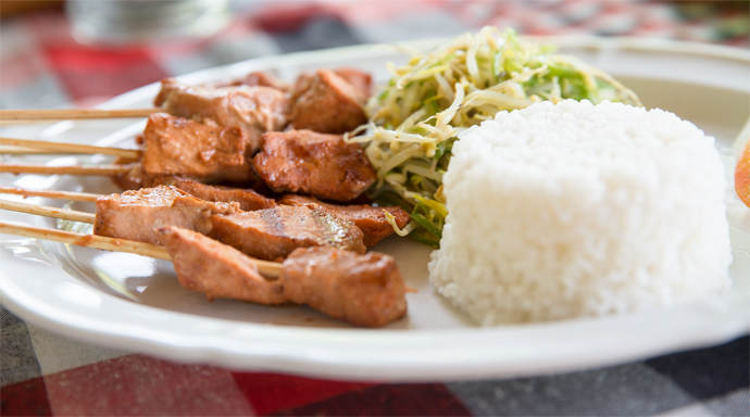 Heerlijke saté met groeten bij Warung Radha in Sidemen