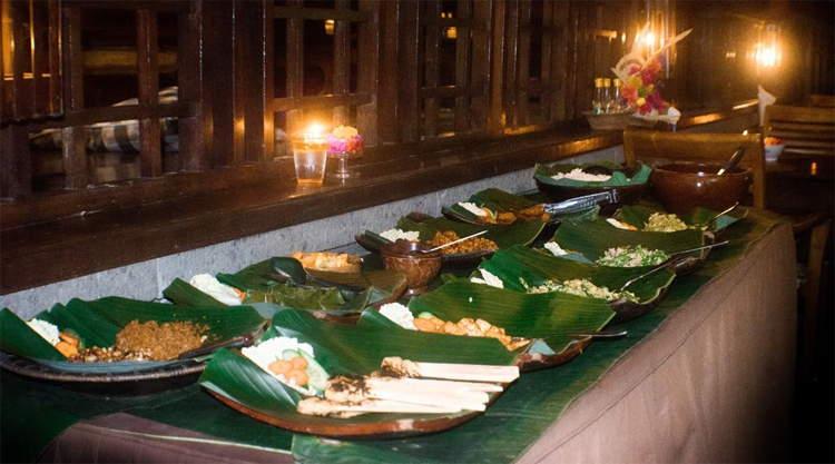 Buffet bij Rumah Roda Restaurant in Ubud