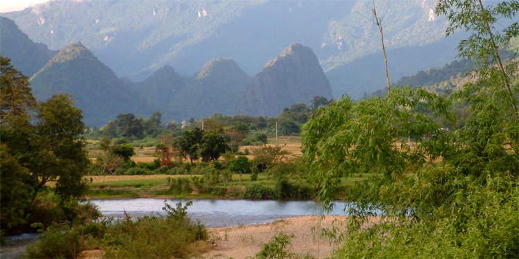Bergen bij Vang Vieng in Laos