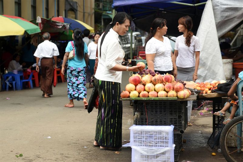 Fruitkar Yangon streetfood Myanmar backpacken