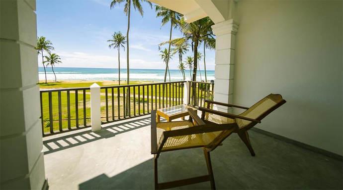 Kumari Surf Lodget guesthouse Midigama East