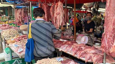 Vlees uitgesteld, Khlong Toei Market, centrum van Bangkok