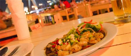 10 must eats Thailand - Stir fried scallops bij Restaurant Khin Lom Chom Saphan