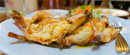 10 must eats Thailand - Fried tiger prawns butter garlic