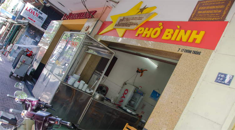 Po Binh soup shop Vietnam oorlog