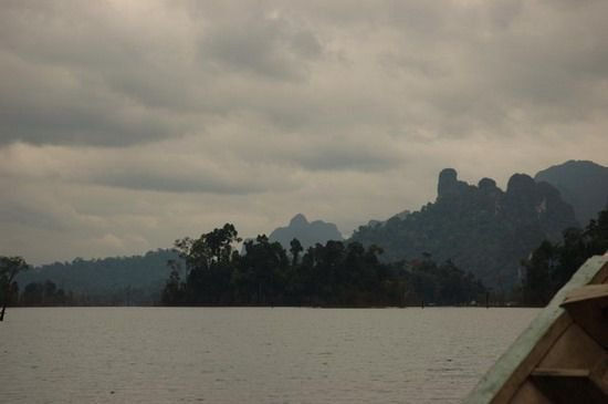 815-thailand-khao-sok-national-park-ratchaprapha-meer-floating-village