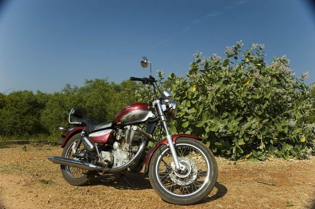 572-royal-enfield-thunderbird-goa